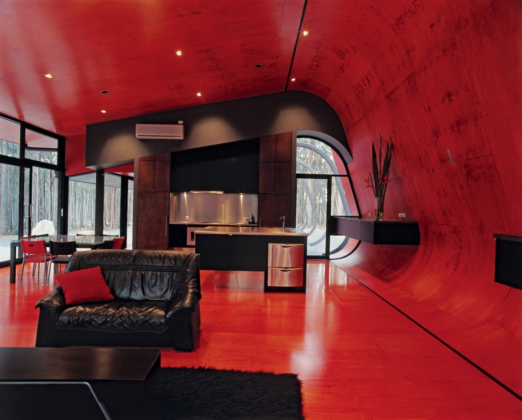 Красный и черный в интерьере